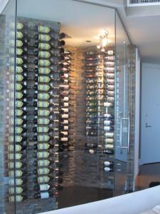 Chicago IL 60601 Contemporary Wine Cellar Racking (030)