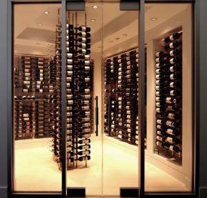 Chicago IL 60603 Contemporary Wine Cellar Racking (033)