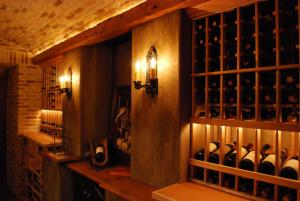 Deerfield IL 60015 Custom Wine Cellar Cabinetry (062)