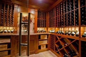 Kenilworth IL 60043 Custom Wine Cellar Cabinetry (078)