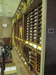 Union League Club of Chicago IL 60604 Custom Wine Cellar Cabinetry (082)
