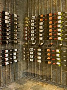 Burr Ridge IL 60527 Wine Store Metal Wine Racking (001)