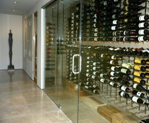 Chicago IL 60605 Condo Metal Wine Racks (007)