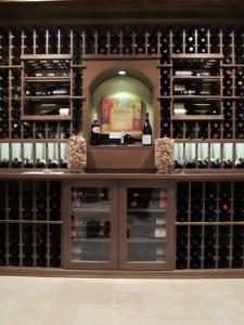 Briar Ridge Country Club Dyer IN 46311 Traditional Wine Cellar Racking (090)