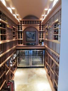 Burr Ridge IL 60527 Traditional Wine Cellar Racking (095)