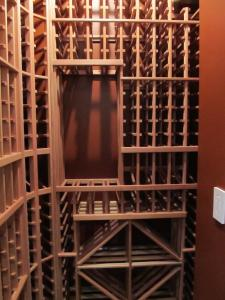 Chicago IL 60611 Traditional Wine Cellar Racking (098)