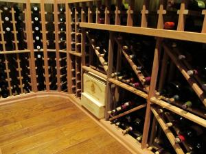 Chicago IL 60611 Traditional Wine Cellar Racking (100)