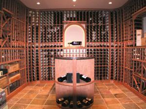 Kenilworth IL 60043 Traditional Wine Cellar Racking (129)