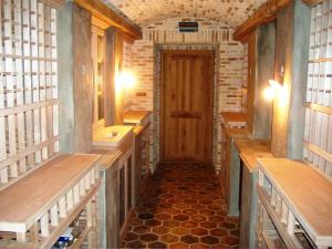 Custom-Cellar-with-All-Brick-Interior